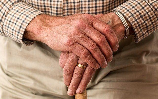 opiekunka starszych